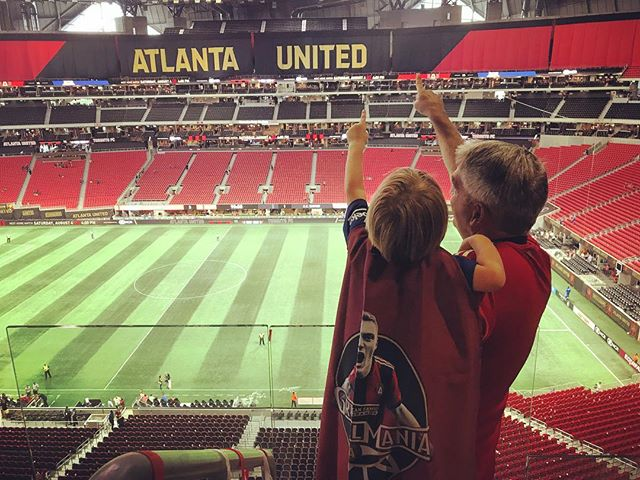 Ready to be back home this weekend. Crazy game last night 😬 let's make sure we get 3 points at home Saturday and stay on top. 🏆 is in our future! . . . #atlantaunited #gresselmania #dabenz #VAR ⚽️❤️🖤❤️🖤❤️⚽️