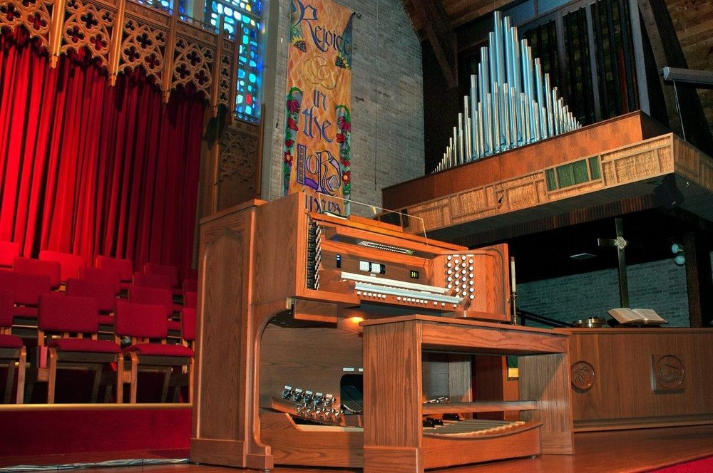 Aldersgate UMC, Abilene . 2 manual pipe-combination organ done with  Robert L. Sipe, organbuilders .