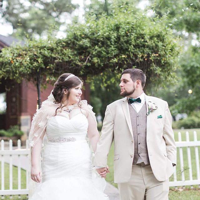 Congratulations Zane & Lindsey 💖 . . . #PopUpWeddings #StyledElopement #popupweddingco