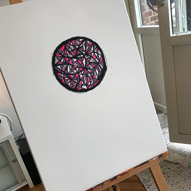 Mitt nya projekt! Denna gång blir det en färgglad drömfångare. 🎨✨ #art #colors #colorful #creativity #artlife #artwork #inprogress #project #dreamcatcher #happiness #mindfulness #positivevibes #artist #inspiration #interiordecor #artshopbydw