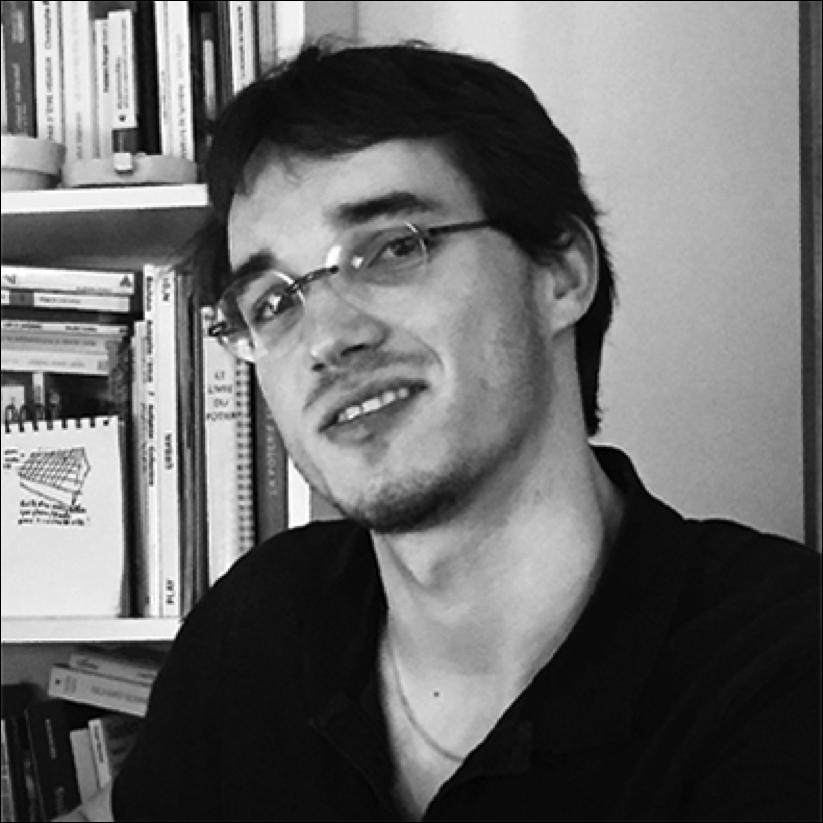 Joachim Boyries   Diplômé en architecture de l'Insa de Strasbourg, il cherche à faire intervenir les usagers à la conception et à la construction de leur ville. Habitats partagés, densité urbaine, agriculture participative, mixité générationnelle, matériaux bio-sourcés et réemploi sont des sujets qu'il aborde à travers ses projets au sein de l'atelier Na et de l'atelier d-form.