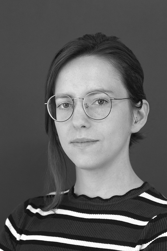 Delphine Levy   Après une MANAA en 2011 qui la sensibilisera au design et au graphisme, Delphine est diplômée de l'Insa en 2015, et anime des workshops avec des étudiants internationaux au sein de EASA en 2015 et 2017. Architecte freelance basée à Paris, elle se spécialise dans la réhabilitation et les surélévations, dans une optique de densification et de renouvellement urbains.