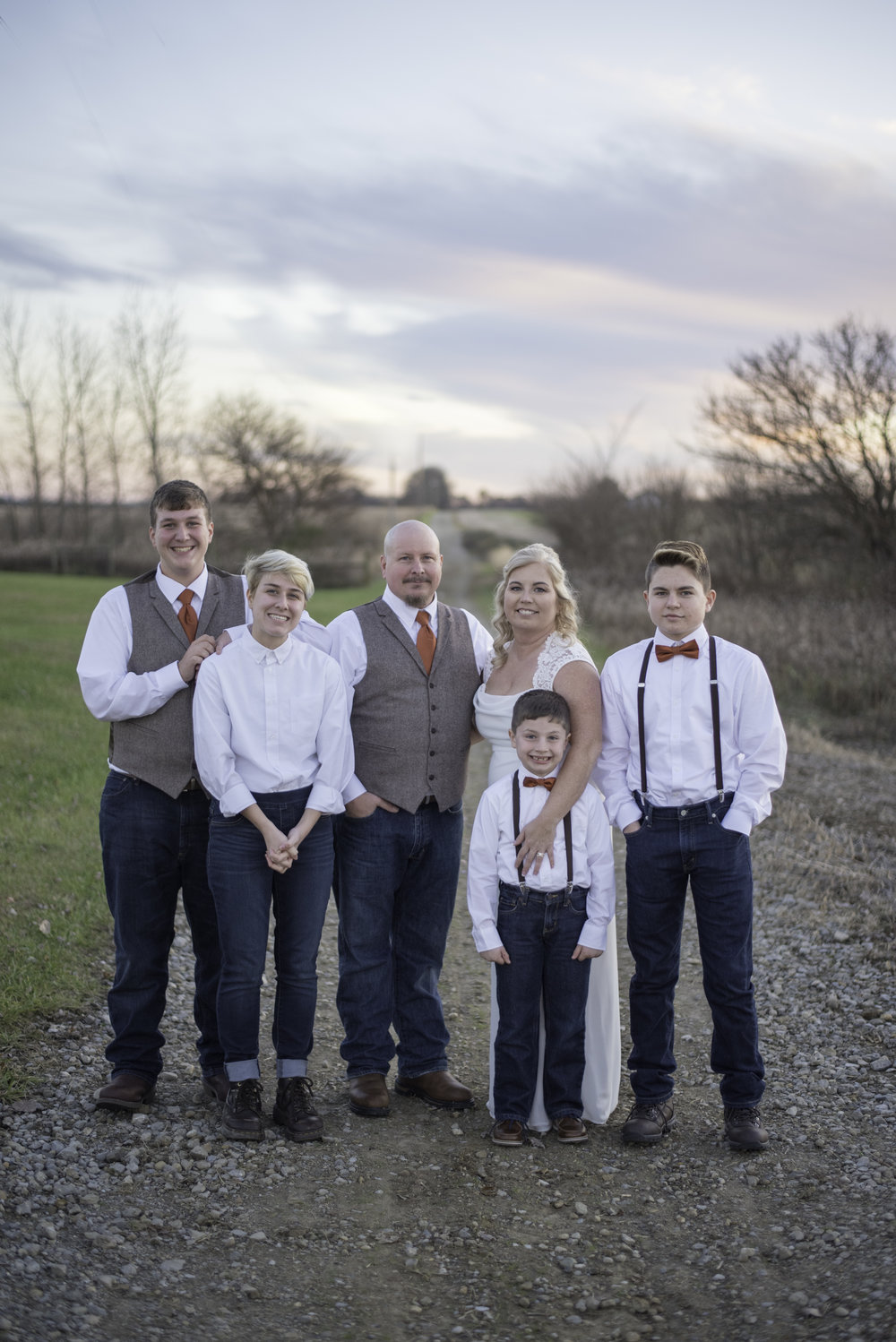 family portrait wedding photographer photography circleville athens lancaster millersport newark hilliard grove city groveport reynoldsburg pickerington