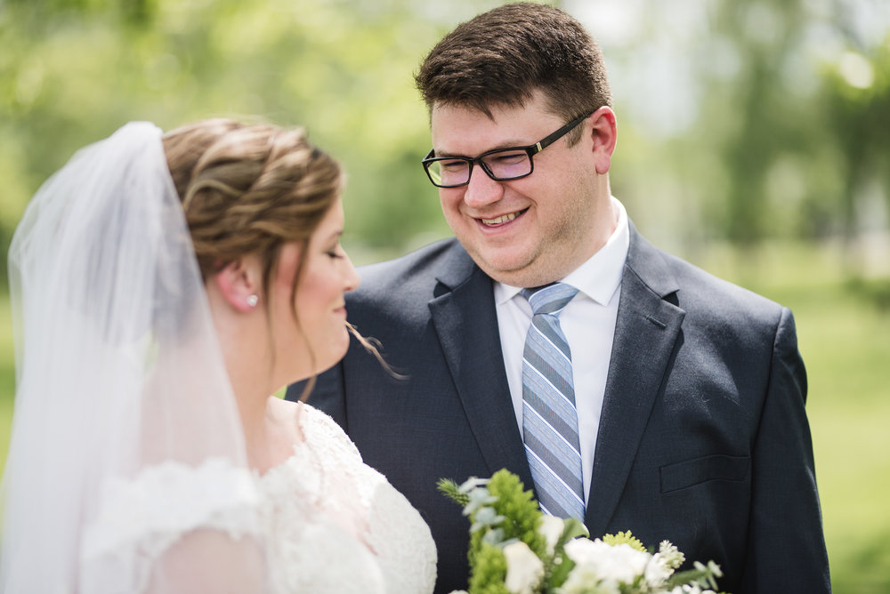 groom and bride wedding portrait