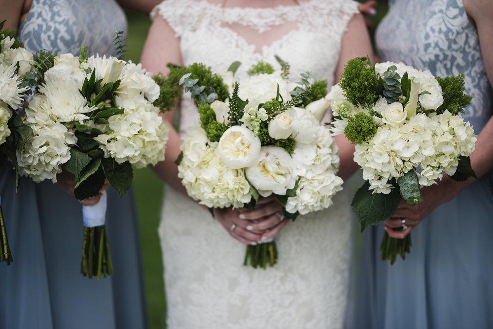 bride flowers bouquet on wedding day