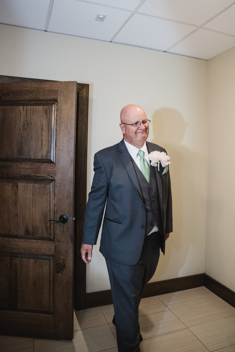 first look father of the bride la navona columbus wedding
