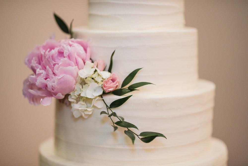 sauer cakes gahanna ohio wedding photographer