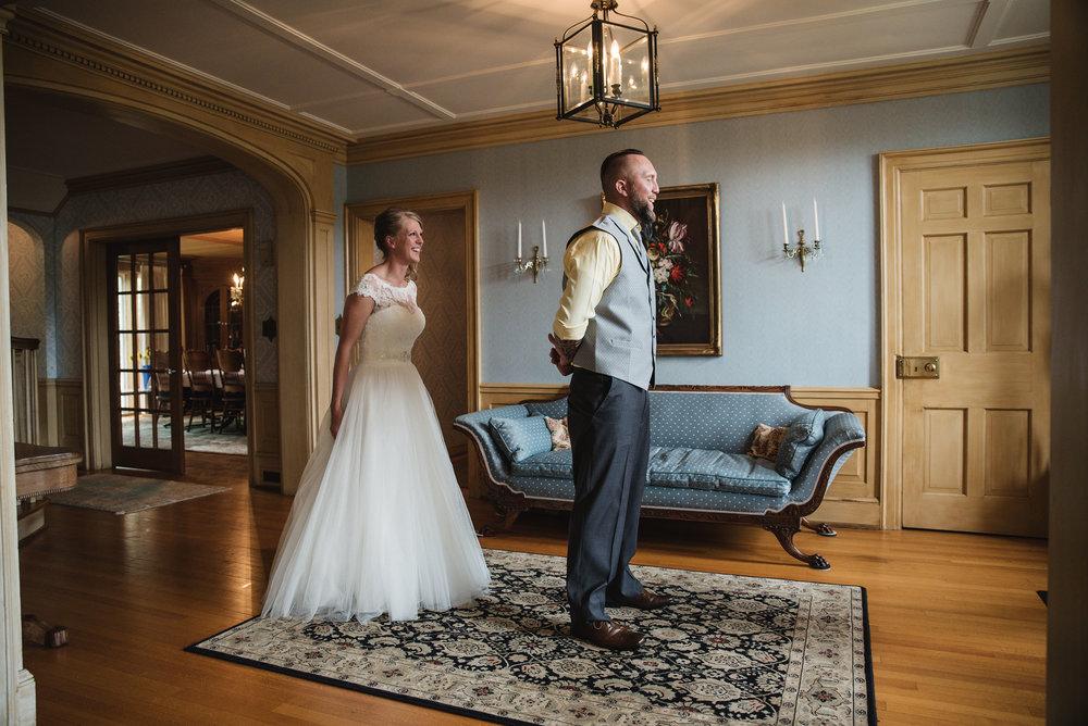 lancaster ohio wedding photographer first look