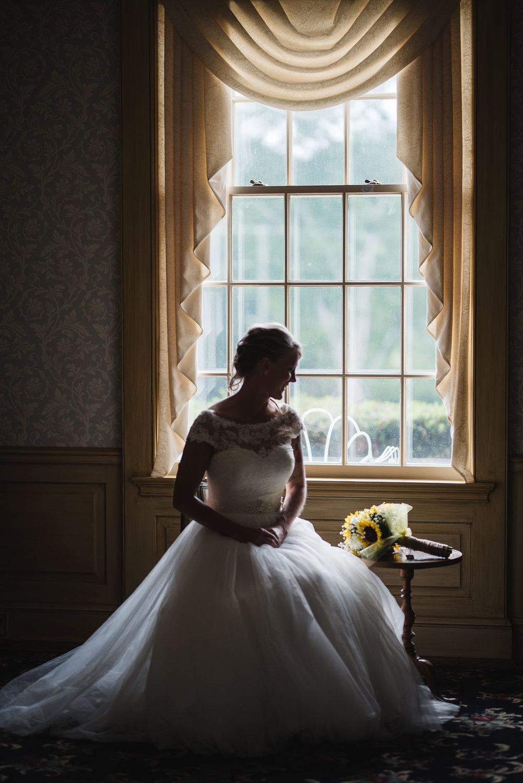 lancaster ohio wedding photographer bride portrait