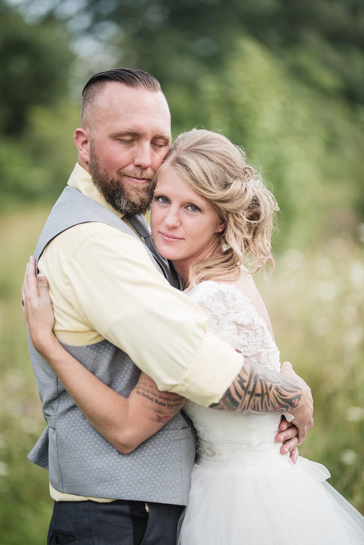 lancaster ohio wedding photographer bride and groom portrait wedding photographer in columbus ohio