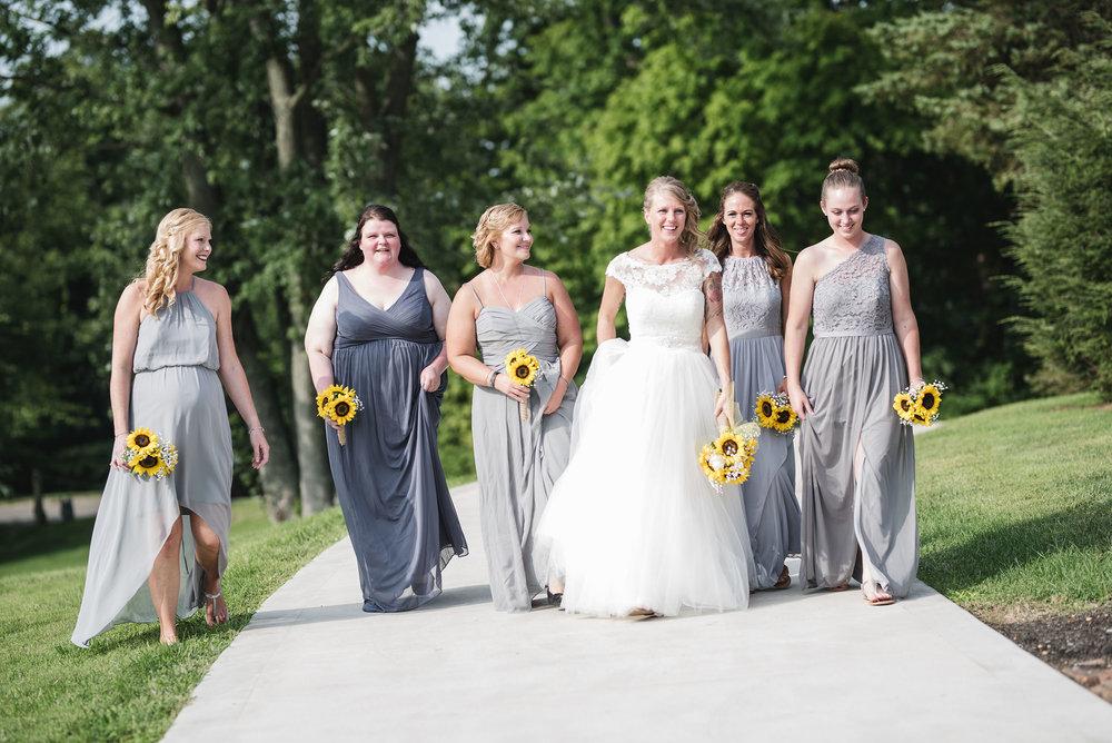 bridesmaids at lancaster ohio wedding photographer