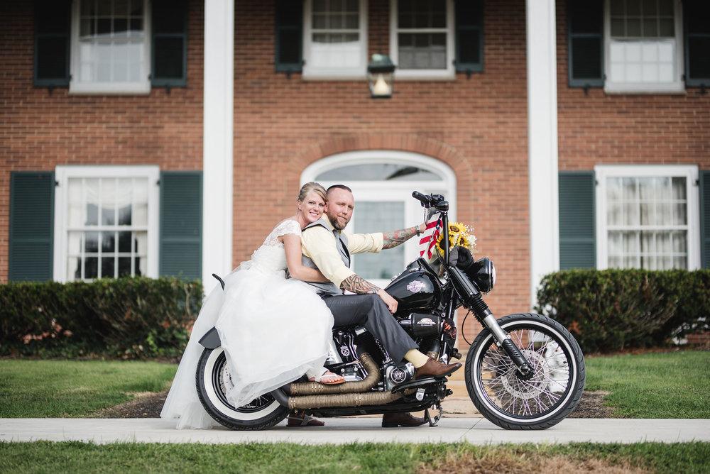 harley davidson wedding photo lancaster ohio wedding photographer columbus ohio wedding photographer