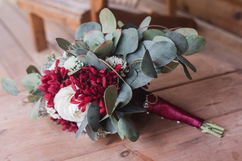 hocking hills wedding flowers photographer columbus