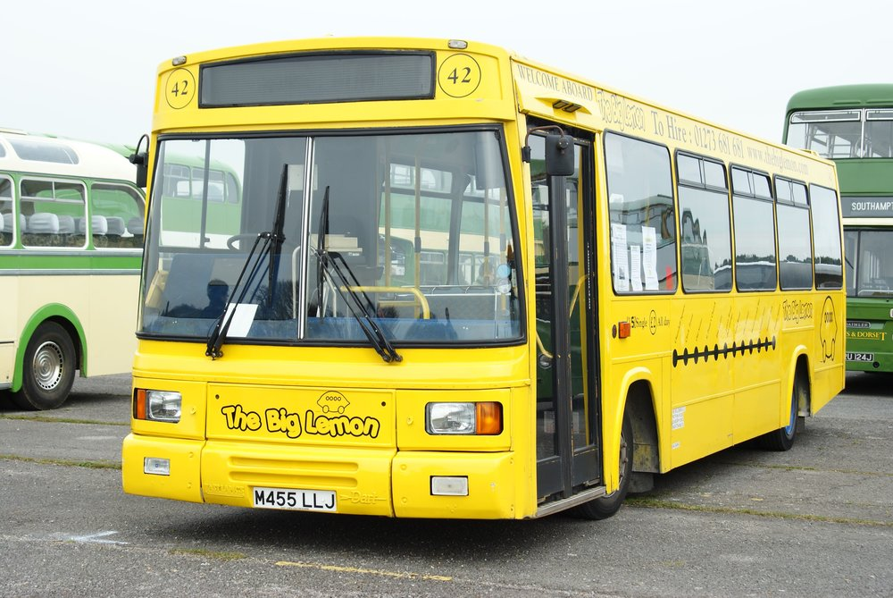 The_Big_Lemon_bus_42_(M455_LLJ),_2010_Cobham_bus_rally.jpg