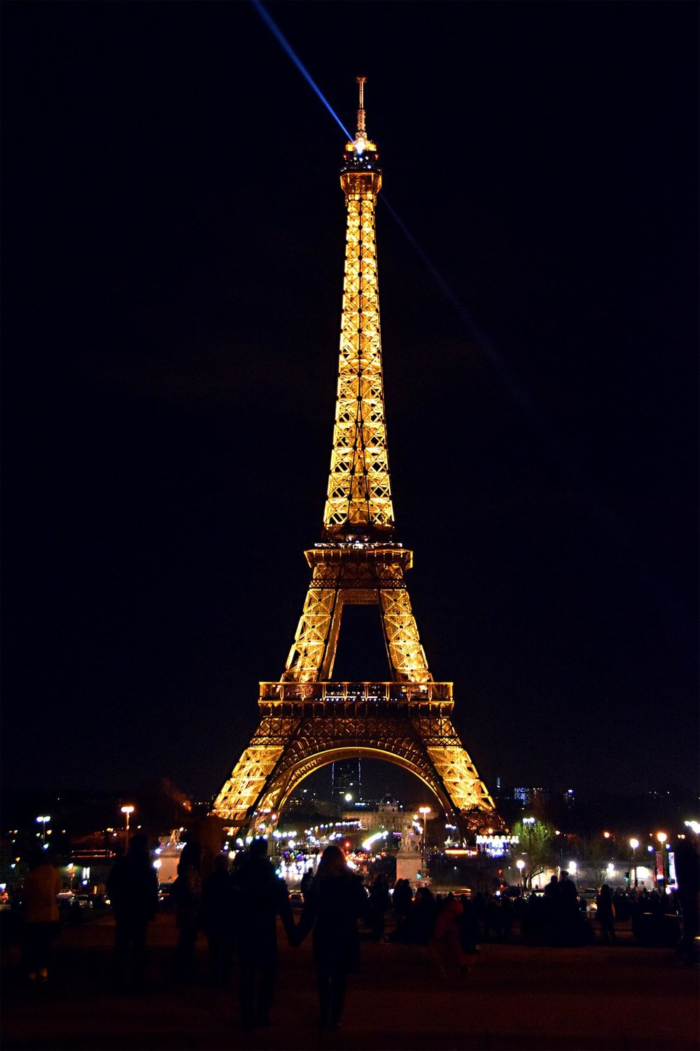 eiffel-tower-2112173_1920-sm.jpg