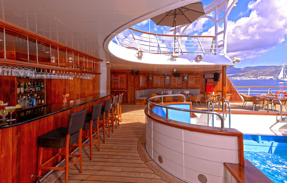 windspirit-Pool-Bar.jpg