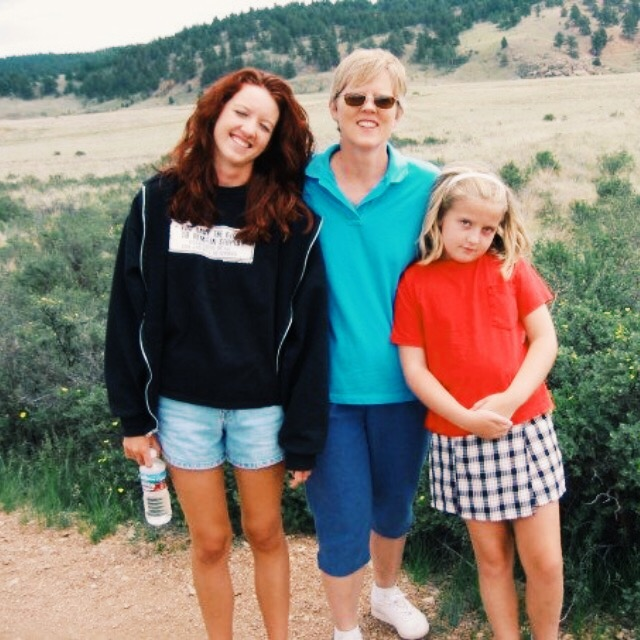 Uber tan legs in Colorado with Mom and sis