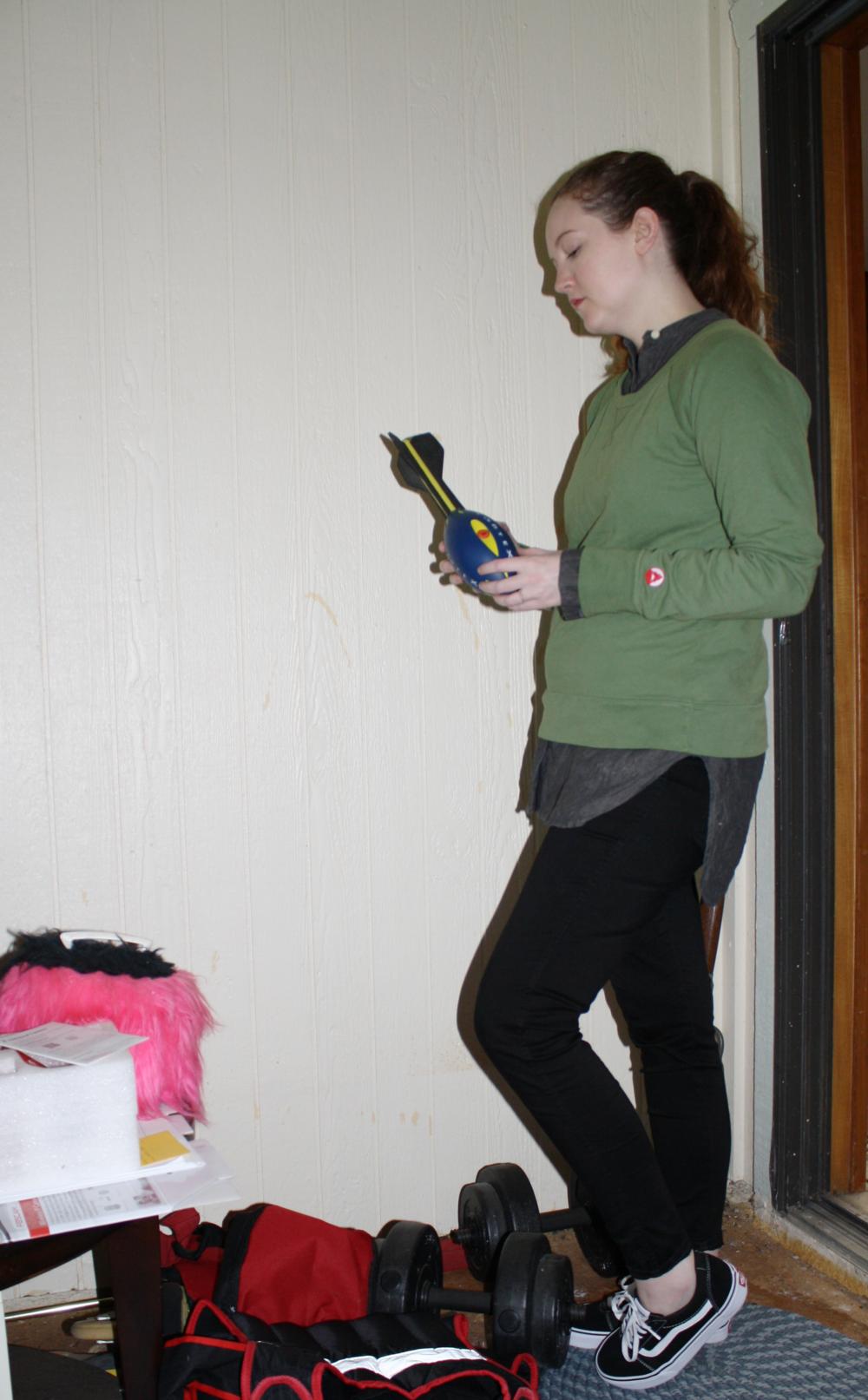 Tradlands Charcoal Tunic + Tradlands Green Sweatshirt +Madewell Black Skinny Jeans + Vans Sneakers