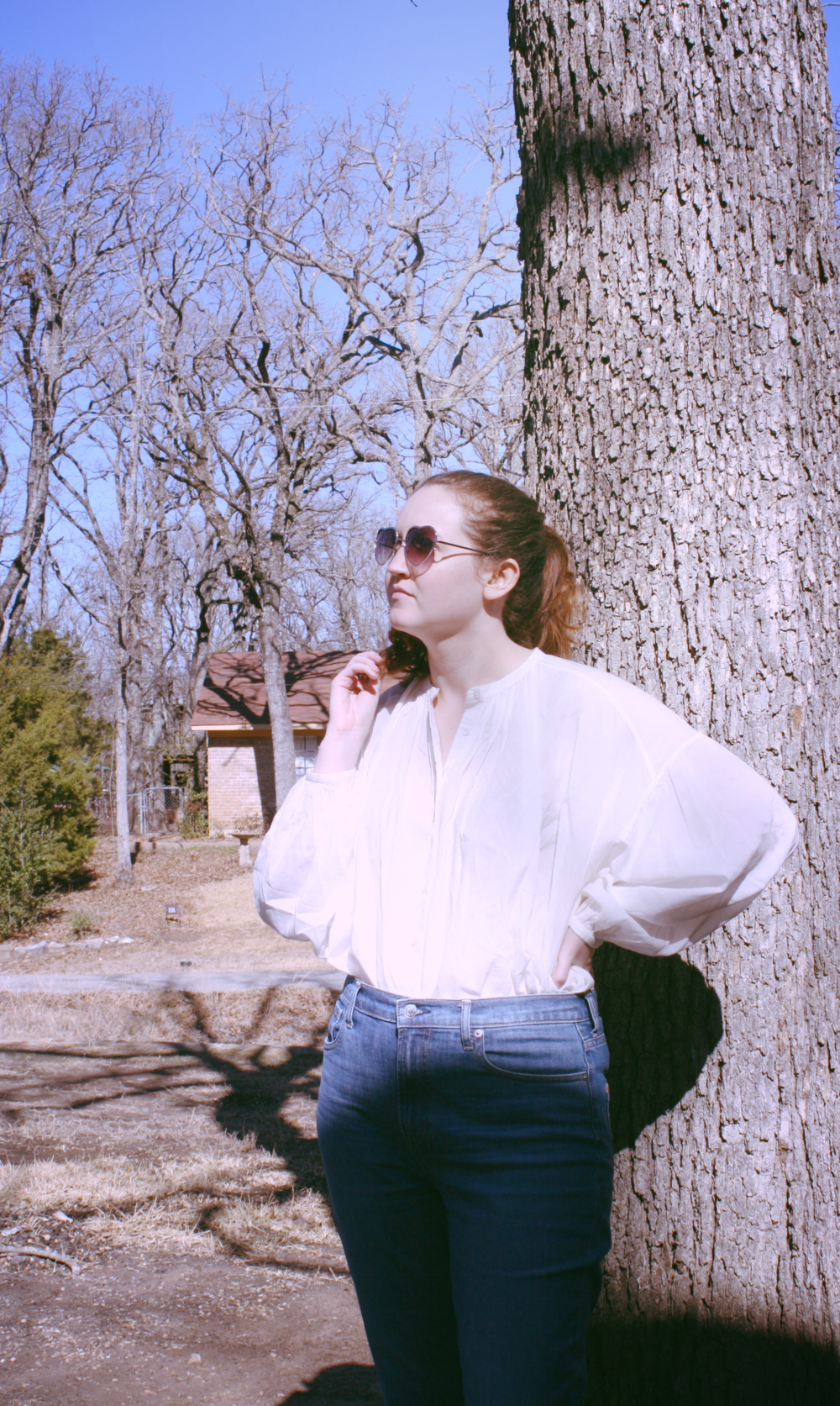 White DOEN blouse to channel summer DOEN Jane blouse in seasalt Everlane High Rise Skinny Denim.png