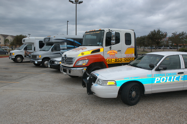 313178-buses tow trucks & pd.jpg