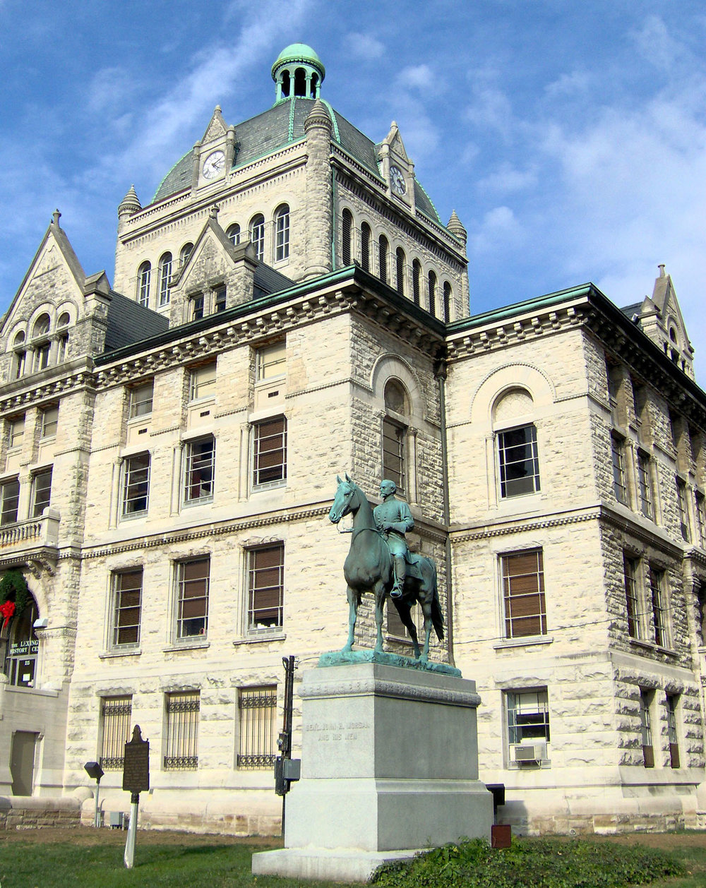 Lexington - Two Confederate statues were removed from the historic courthouse. Statues of John C. Breckinridge, a U.S. vice president and Confederate secretary of war, and Confederate General John Hunt Morgan, will be moved into storage until the city works out an agreement to move them into Lexington Cemetery, where the two men are buried. Private donors agreed to pay the fee for relocation.