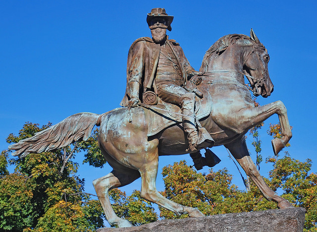 Confederate General J.E.B. Stuart Statue in Richmond, VA. (Flickr)