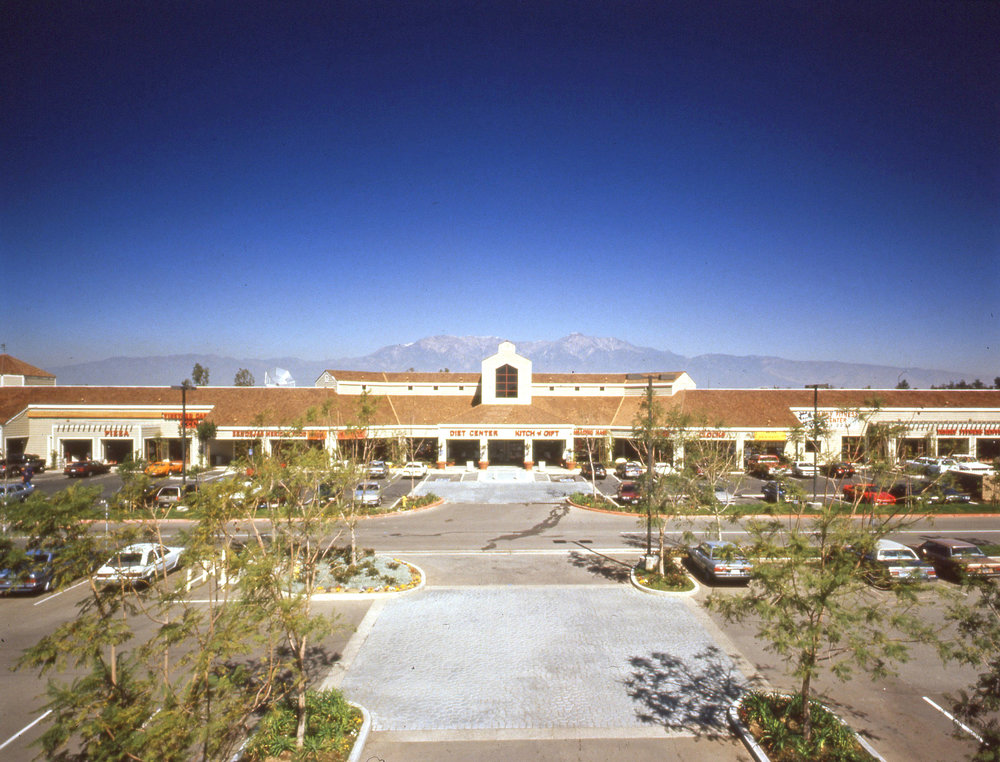 Vinyard shopping center 1.jpg