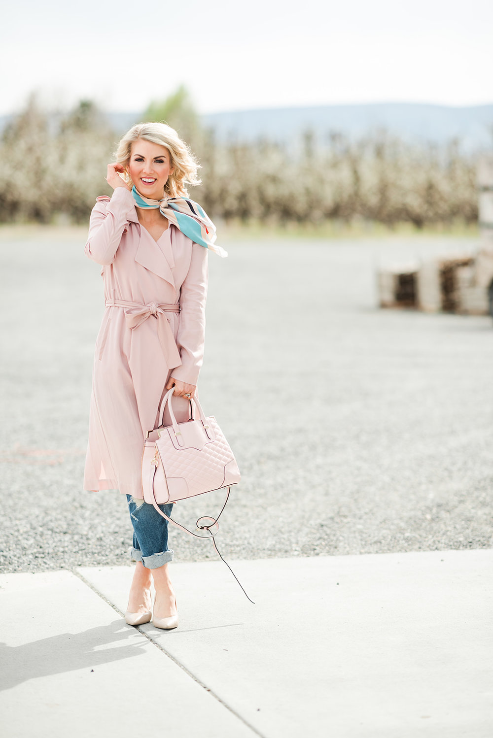Quick tips on how to style a trench coat! - Trench coats are super in this season! Read this to learn how to style a trench.