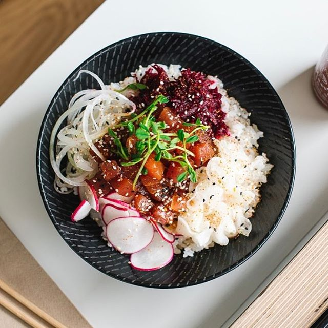 HOP FAVE! Tuna Pokè bowl with beetroot, cabbage, raddish, ginger, sweet onion, wasabi peas and spicy soy dressing 🐟 We're dishing these up now at our newly opened restaurant at 149 Glenayr Ave, Bondi.