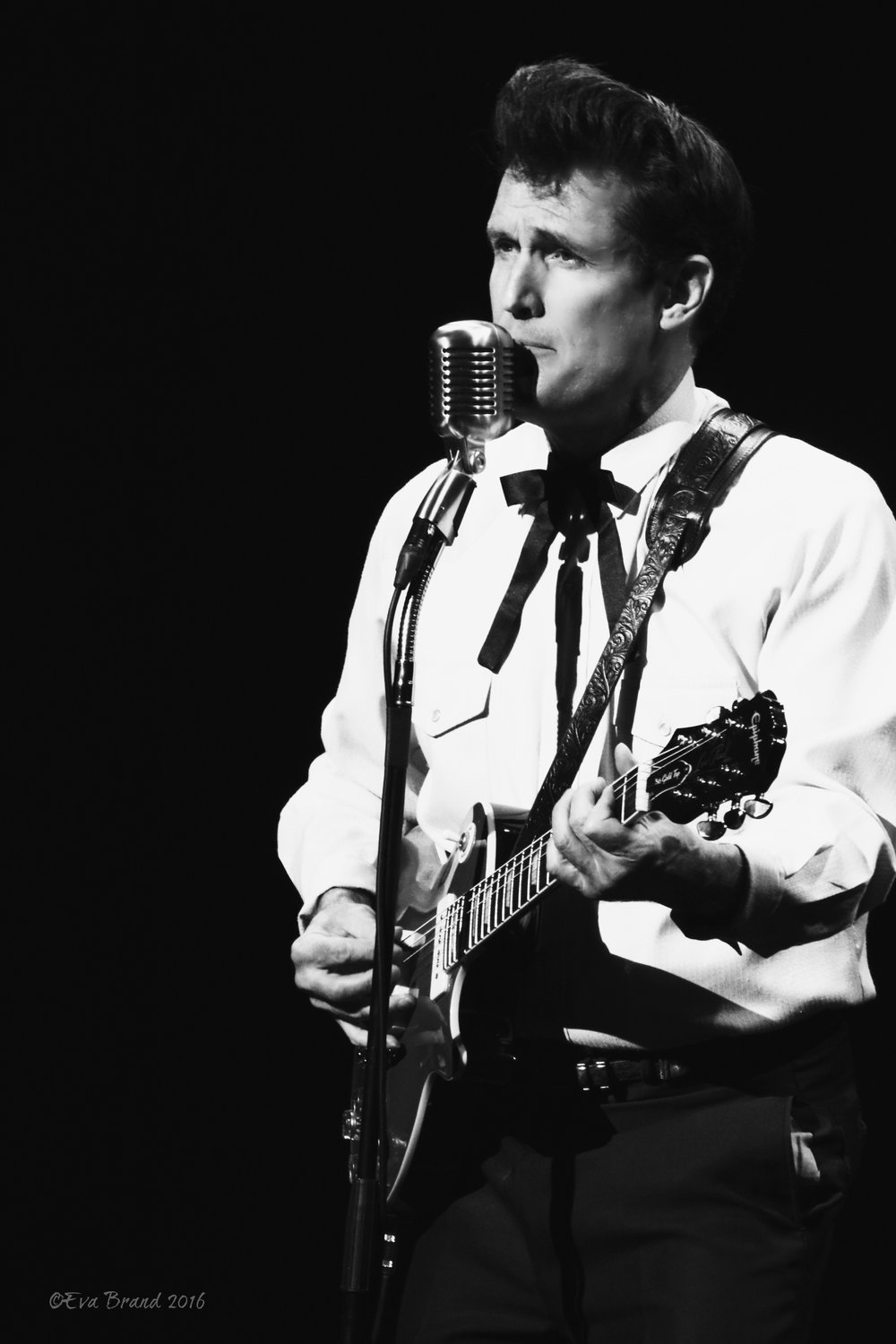 John Mueller as Carl Perkins BW.jpg