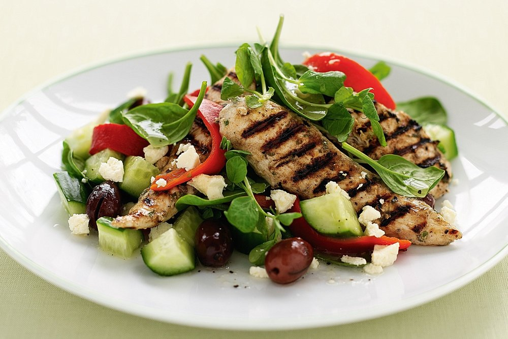 barbecued-chicken-with-greek-salad-24468-1.jpeg