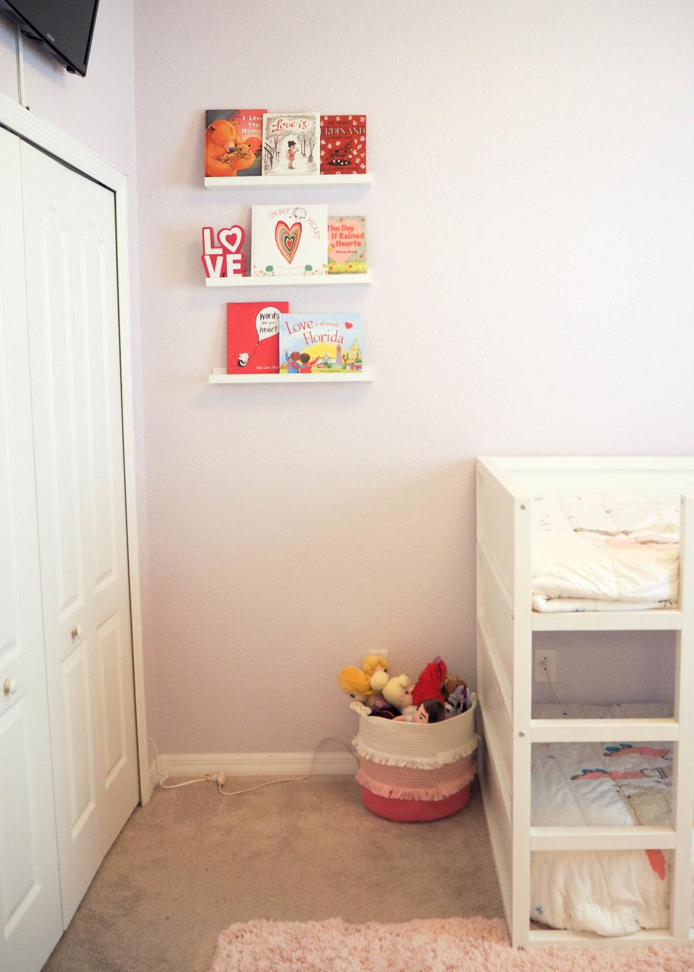 Bookshelves from my last post