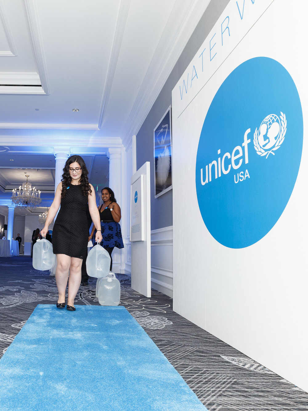 UNICEF volunteers participate in the Water Walk (Photo by Drew Altizer)