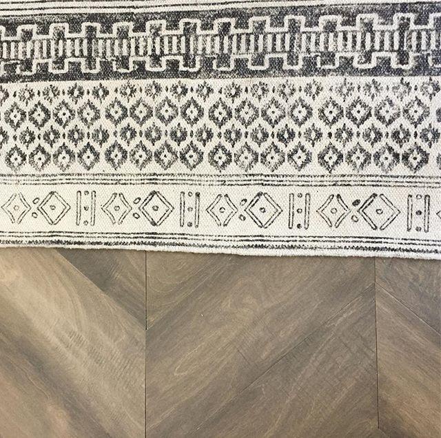Loving the rug!!! #ihavethisthingwithfloors