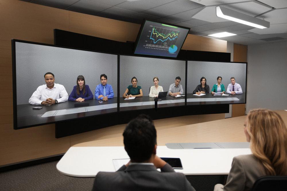 polycom_realpresence_immersive_studio_conference2.jpg