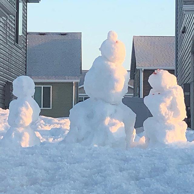 Umm does our snowman have boobs? . . #snowcreation #fargond