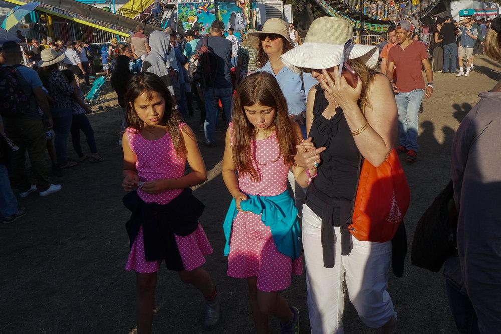 17-Pink-twins-1-03853.jpg