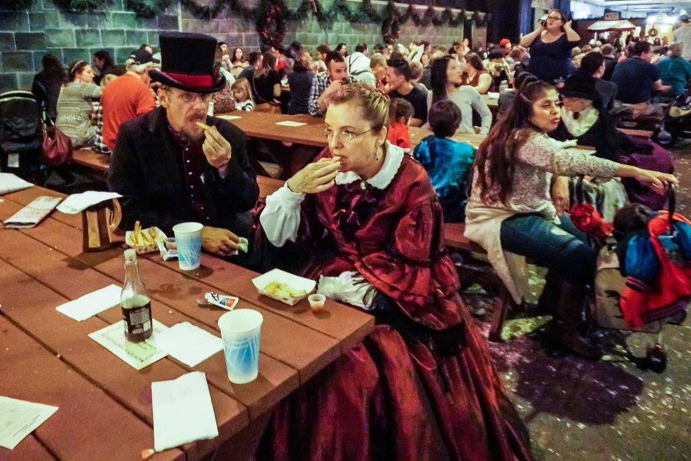 Dickens-Fair-2-low-res-08468.jpg