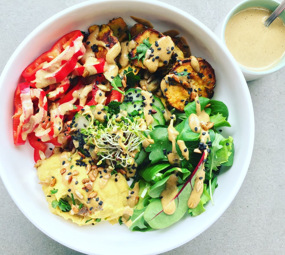 goodnesst - amelie van der aa - recipe - buddah bowl - vegan dressing - peanut tahini dressing - peanut - tahini - vegan sauce - egg-free - dairy free - kids friendly - picky eaters