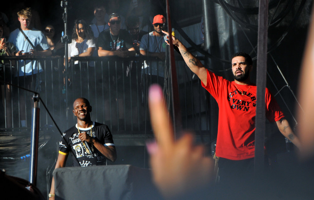 Drake performing with Giggs