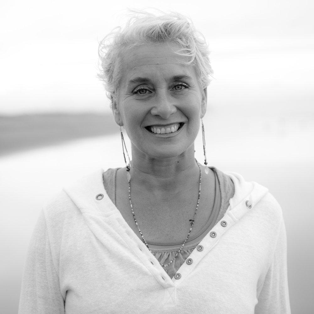 Joy Ravelli*