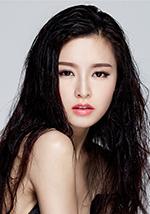 Wen Yongshan 文咏珊 as Pei Wen 佩文