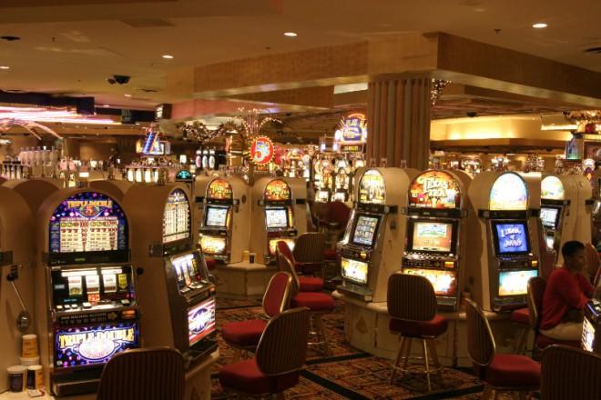 LasVegas-Casino-e1425492119899.jpg