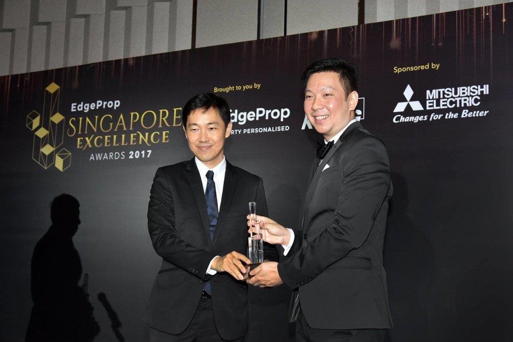 Award-Photo2.jpg