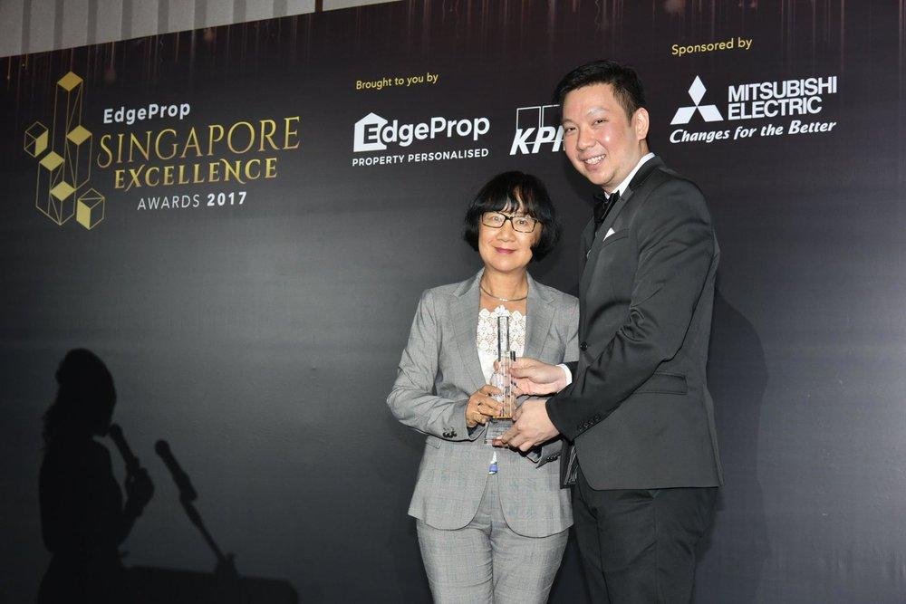 Award-Photo4.jpg