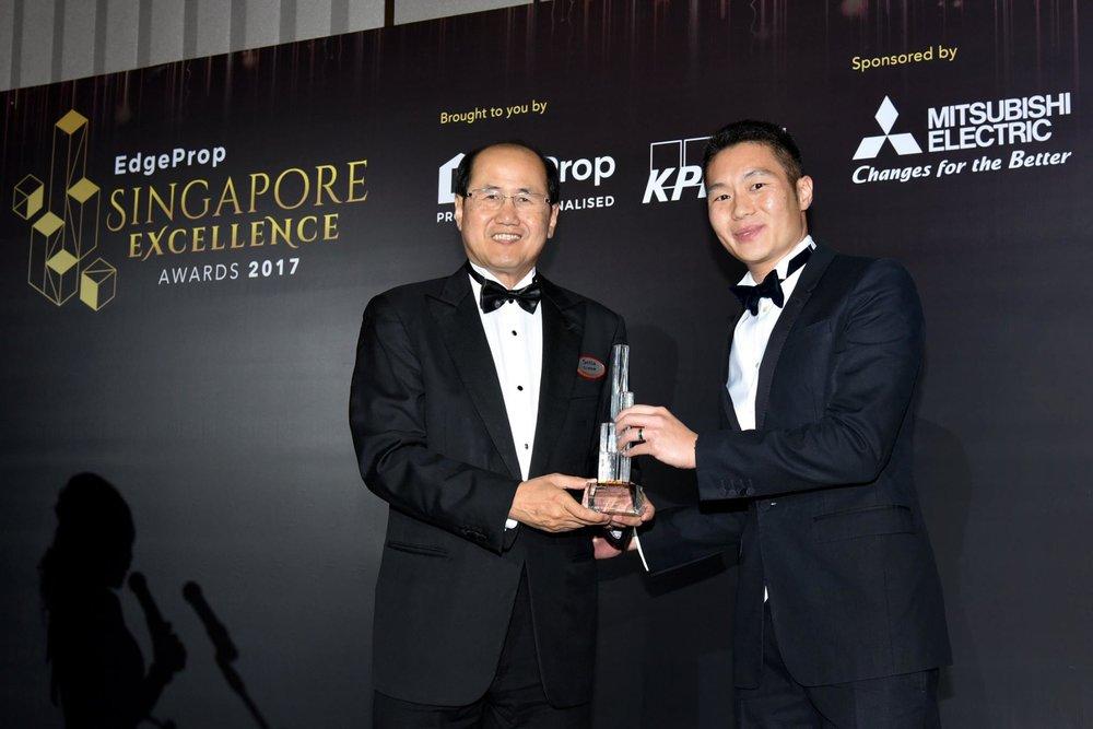 Award-Photo5.jpg
