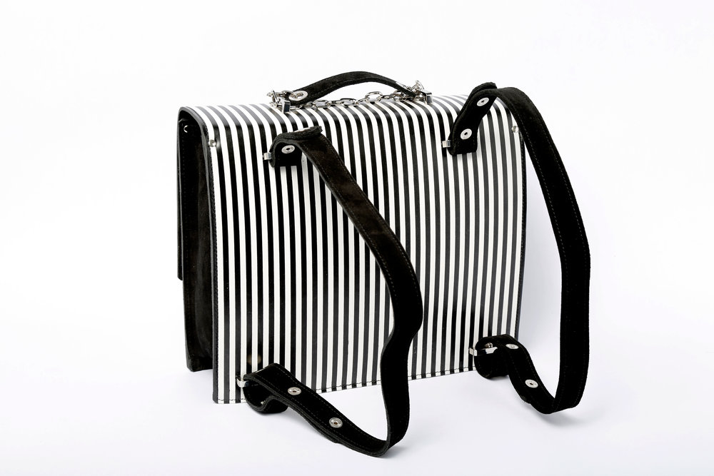 mochila-trasera back pack black and white.jpg