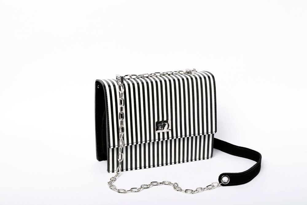black and white handbag.jpg
