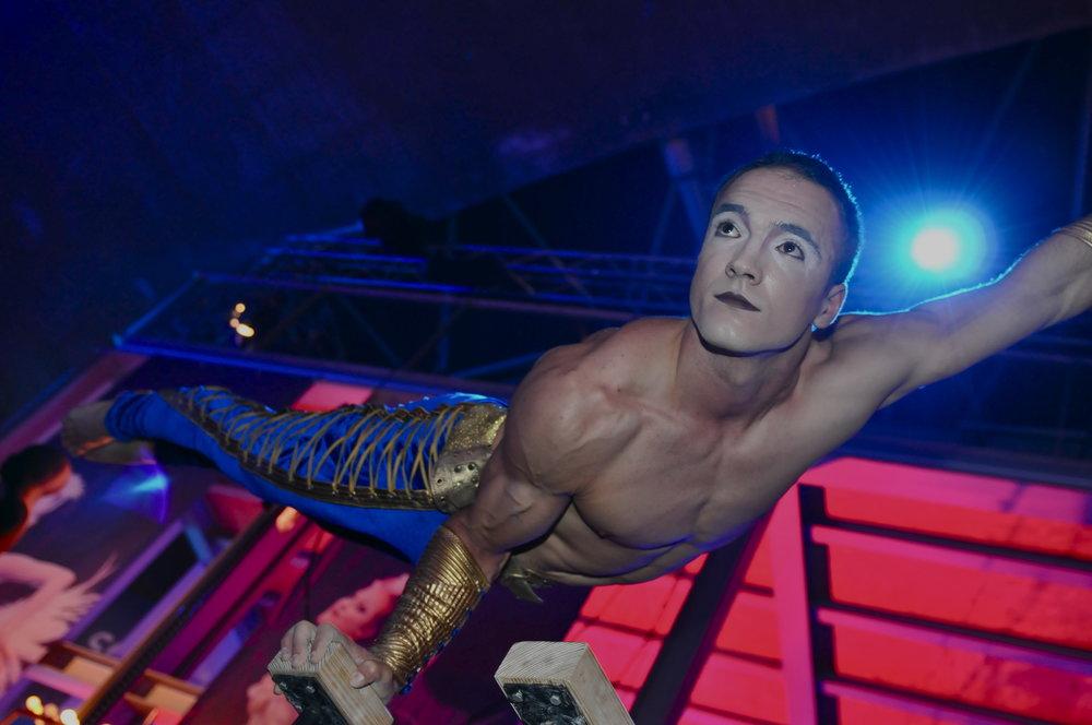AcroEvents Cirque du soleil Marta Gutierrez