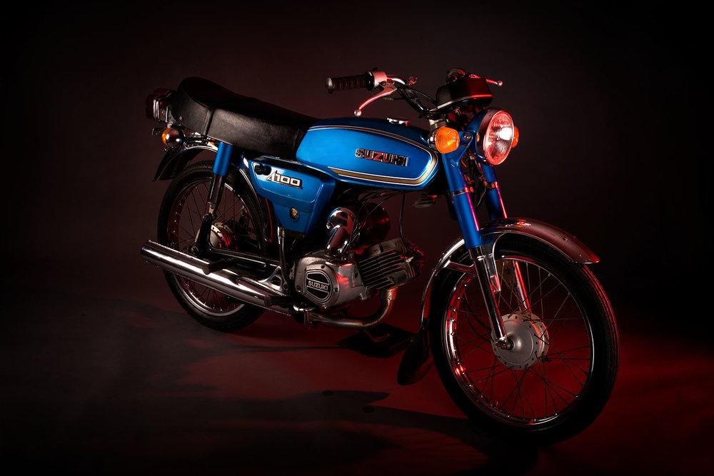 retro_suzuki_motorbike.jpg